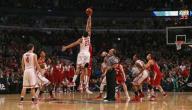 كم عدد لاعبي فريق كرة السلة