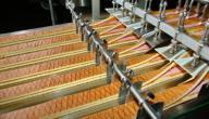 صناعة البسكويت في المصانع