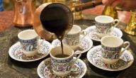 طريقة تقديم الشاي والقهوة للضيوف