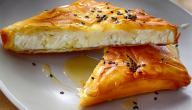طريقة عمل فطائر الجبن بالعسل