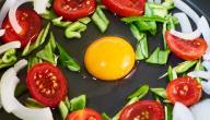 طريقة عمل بيض مع بندورة