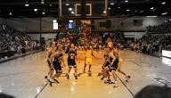 كم عدد لاعبي كرة السلة الأساسيين والاحتياط