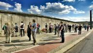 لماذا بني جدار برلين