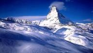 أين تقع قمة جبل إيفرست