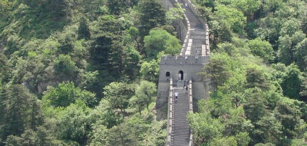 كم يبلغ طول سور الصين