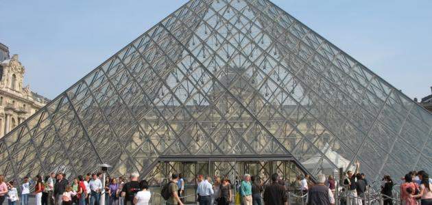 كم عدد صالات متحف اللوفر