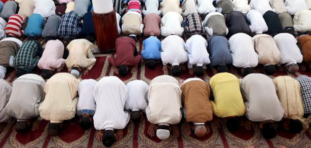 كيفية أداء الصلاة بطريقة صحيحة