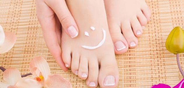 وصفات لعلاج تشقق القدمين