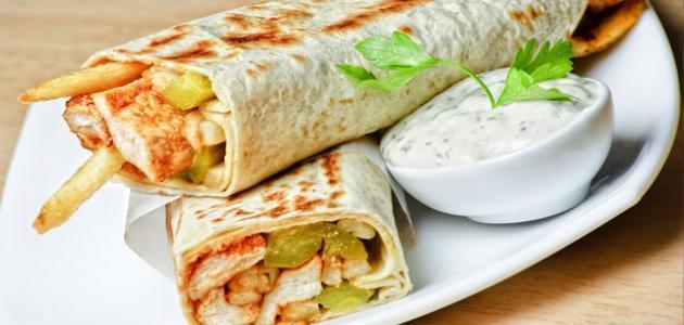 طريقة عمل شاورما الدجاج اللبنانية موضوع