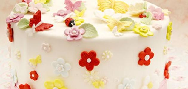 كيفية تزيين الكيك بعجينة السكر