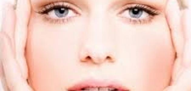 طريقة لتنظيف الوجه