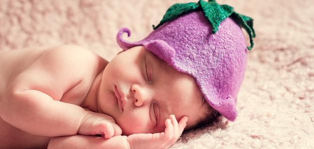 حلق شعر المولود الأنثى