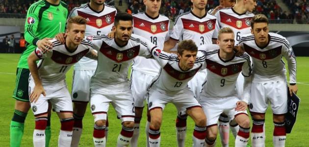 عدد اللاعبين في كرة القدم - موضوع