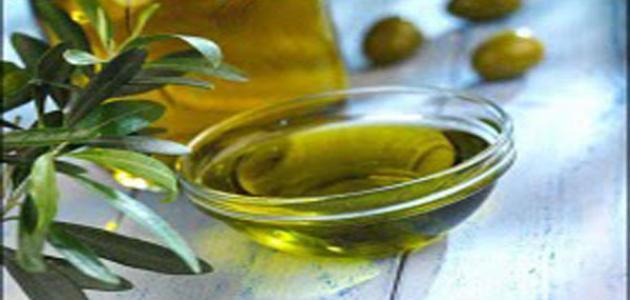 فوائد ومضار زيت الزيتون للشعر