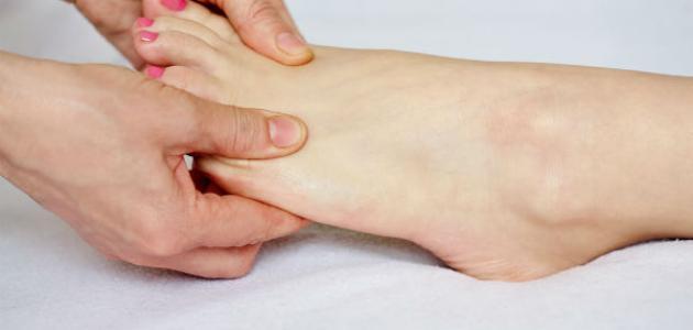 طريقة تدليك القدمين
