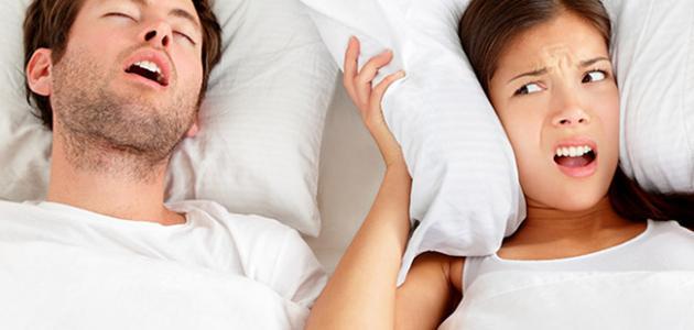 أسباب الشخير في النوم
