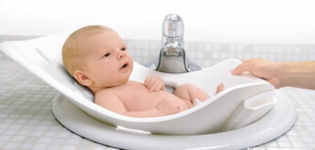 الاعتناء بالطفل حديث الولادة