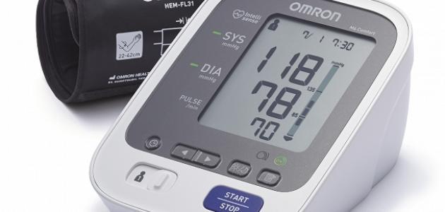 آلة قياس ضغط الدم