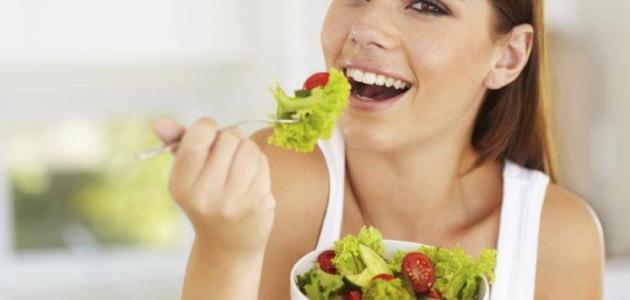 أغذية تساعد على نمو الشعر