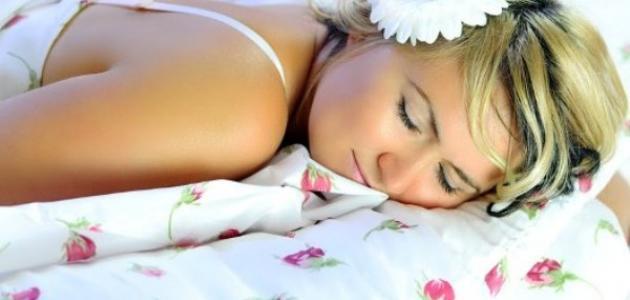 أضرار النوم على البطن للنساء