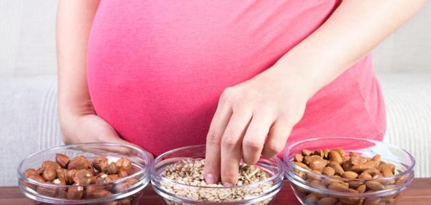 أغذية تزيد وزن الجنين في بطن أمه