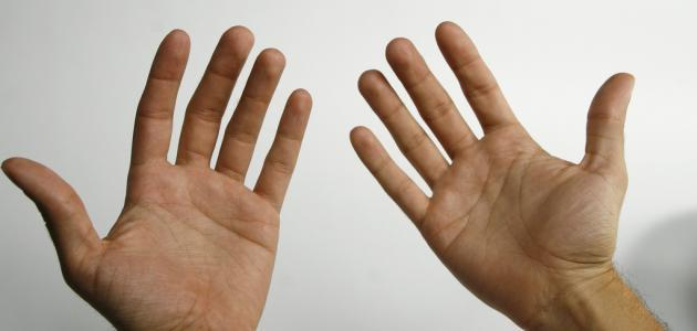 أسباب سخونة اليدين