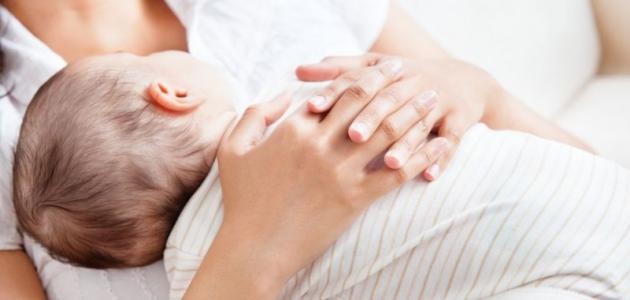 أسباب قلة حليب الأم المرضع