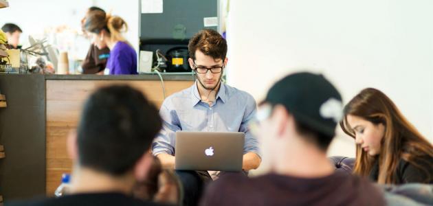 أثر الإنترنت في التعليم والتعلم