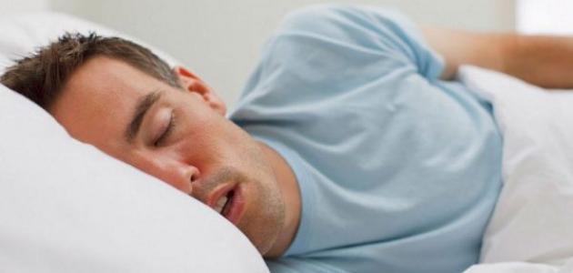 أسباب فتح الفم أثناء النوم