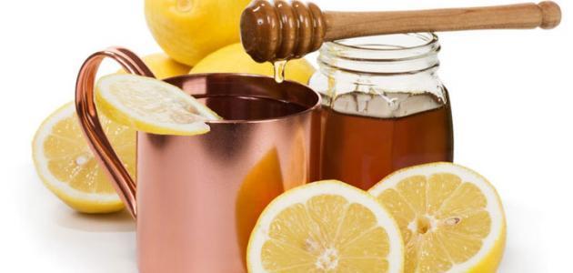 العسل لآثار حب الشباب