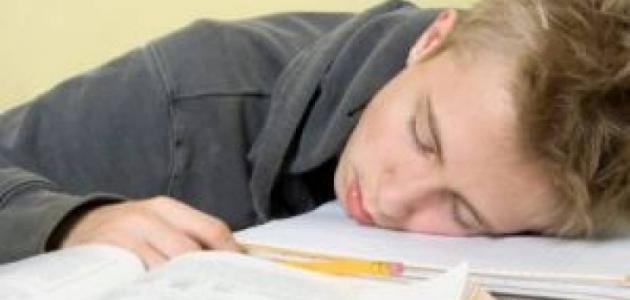 أسباب النوم المفاجئ