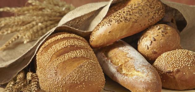 أضرار وفوائد الخبز