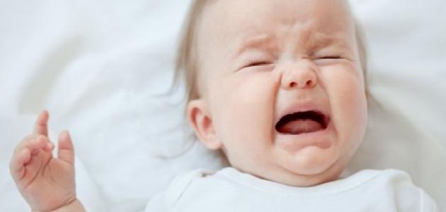 أسباب بكاء الطفل المستمر