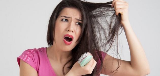 أسباب تساقط الشعر المفاجئ