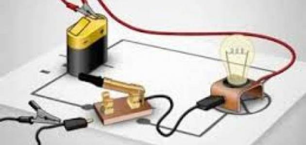 طريقة عمل دائرة كهربائية