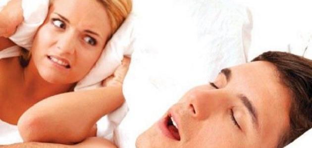ما سبب ضيق التنفس عند النوم