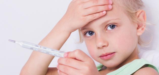 ارتفاع درجة الحرارة عند الأطفال بدون سبب