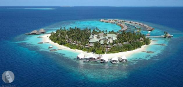 أكبر جزيرة في آسيا