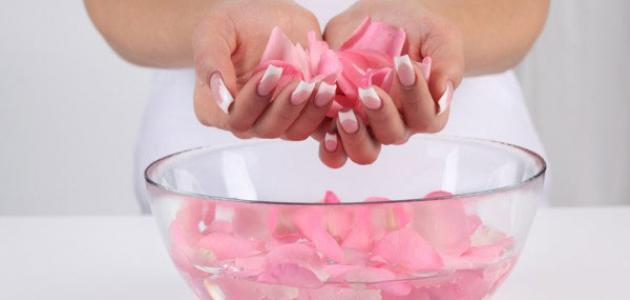 فوائد شرب ماء الورد للحامل