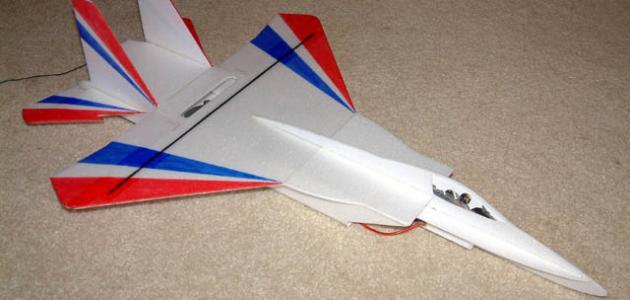 صناعة طائرة لاسلكية