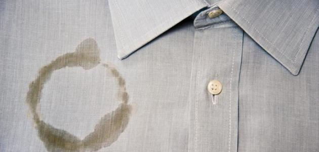 كيفية التخلص من بقع الزيت على الملابس