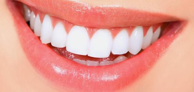فوائد الخل الأبيض للأسنان