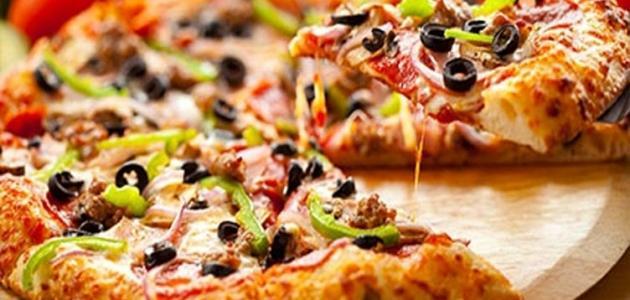 كيف أعمل بيتزا مثل المطاعم