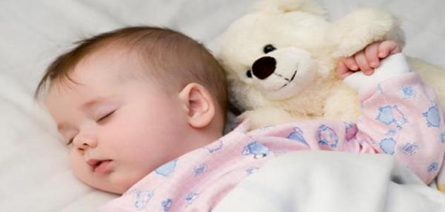 كيف أساعد طفلي لينام