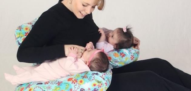 طريقة لزيادة لبن الأم المرضع