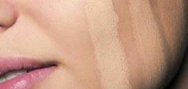 كيف أثبت كريم الأساس على بشرتي