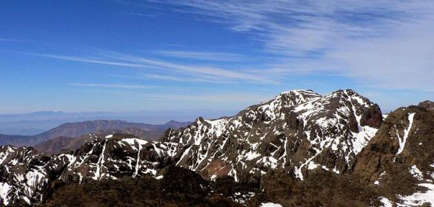 أطول سلسلة جبلية في المملكة موضوع