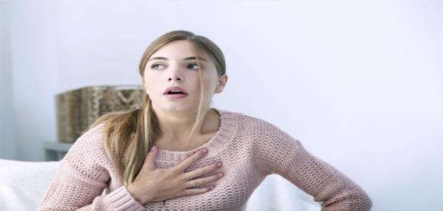 هل القلق يسبب ضيق التنفس