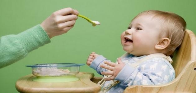 كيف أجعل ابني يأكل