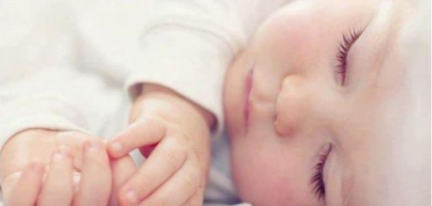 طريقة نوم الرضيع